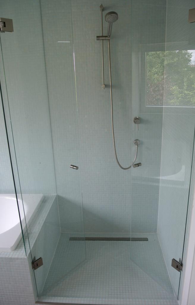 Dusche Glasdusche Milano Original von KL Glas Wand mit Edelstahlprofiel 2 Pendeltüren und 1 festes Seitenteil