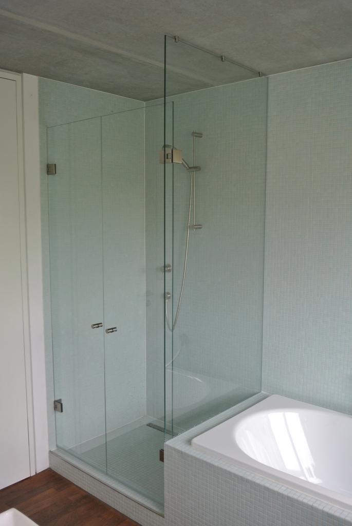 90° Glas-Glas und Glas -Wand  Badewannenanschluss ohne Dichtungen