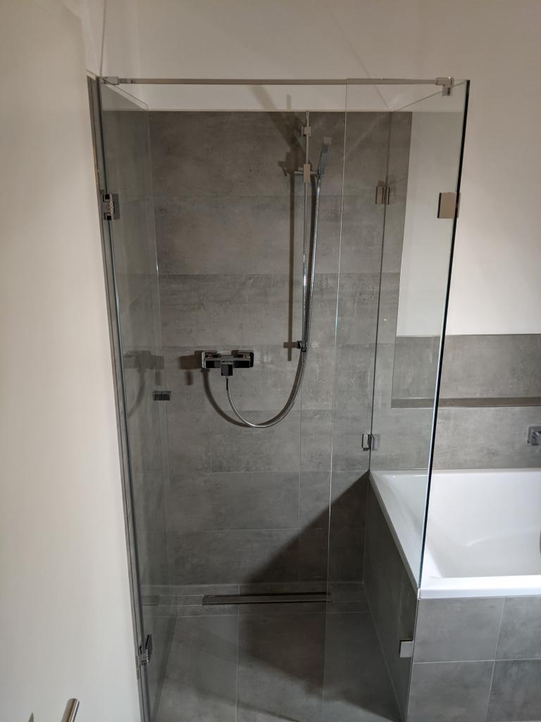 Duschkabine Badewannenanschluss